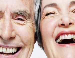 Ухоженным-зубам-старость-не-страшна