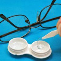Контактные линзы или очки? что безопаснее
